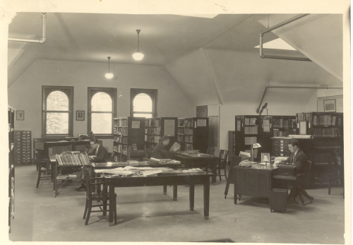 Library of the Department of Middle American Research (DMAR), c. 1940s.